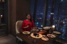 南京顶级西餐厅:金奥费尔蒙酒店温哥华扒房 国际金融中心的夜色璀璨迷人,于南京金奥费尔蒙酒店37楼温哥