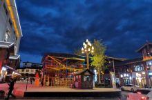 今天跟大家聊聊丽江的景点游玩吃饭的指南!!! 首先:说说景点,丽江是一个市,香格里拉,可不在丽江市里