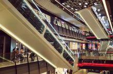 尚悦湾广场是陆家嘴地区一个比较新的购物广场,可能是建成时间不算长吧,感觉人气不是特别足,当然我是混浦