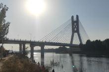 潮白河上的燕潮大桥及风景