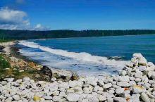 新西兰南岛风光 有一块湖边的石头上写着:愿世间美好与你环环相扣