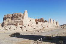 大方盘城,汉代屯粮遗址。虽然只剩断壁,也能折射曾经的辉煌。