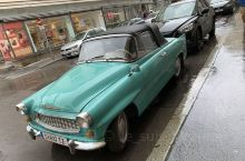 Salzburg 街拍的老爷车——当时Salzburg下起了小雨,街上行人寥寥无几,我们也只是在街上