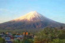 近距离欣赏日照富士山,震撼! 富士山位于山梨县,静冈县的交界处,日本高楼大厦不多,在这几个地方的乡村