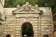 走在往阿尔罕布拉宫的路上,期待和世界遗产亲密接触。