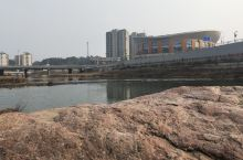 岳西县天悦湾体育馆建于2014年,占地11亩,室外活动场地20000平方米,室内建筑面积15000平