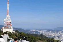长崎稻佐山俯瞰长崎,据说是1000万的夜景,曾经全世界的三大夜景,虽然是白天看到也算是100万的景观