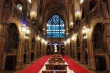 约翰瑞兰德图书馆是曼大现有四大图书馆之一,也是曼大唯一开放的图书馆。位于市区,古色古香,非常适合拍照