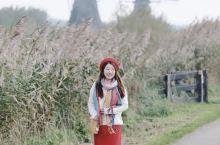 提起荷兰的标志,大多数人都能想到郁金香和风车。这次荷兰旅行,我们来到了小孩堤防风车群。  这里是荷兰