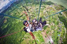博卡拉滑翔伞~  恐高症患者想挑战一下自己。  从加德满都做了个小飞机到博卡拉,当时天气很好,但是小