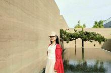 浅山美学馆……位于郑州市荥阳232省道东100米。前日偶然路过,径直步入浅山美学馆,犹如洄游的秘境,