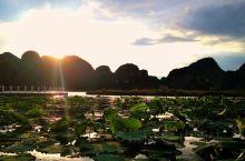 """普者黑~~位于滇东南属高原喀斯特地貌景观,是盛产鱼虾的地方,兼有""""""""桂林之山,西湖之美""""的景色。 广"""