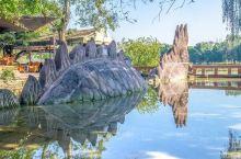 """黄龙溪离市不远的千年古镇。 古镇至今已有1700多年历史。 因为镇上有传统民俗""""烧火龙""""活动,所以这"""