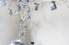 荷兰的代尔夫特,因生产蓝陶而闻名,他们将来自中国的青花瓷加以改进,形成了独特的代尔夫特蓝陶,并深受皇