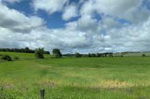 高地漂亮的田野