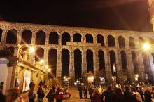 塞哥维亚是西班牙历史名城和著名古迹,这里有保存最完好的罗马时代建筑遗迹,古罗马输水道、哥特式大教堂、