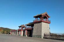 丹东虎山长城非常值得观赏游玩,景色宜人。