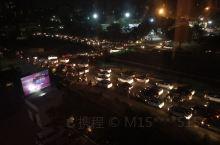 古吉拉特邦Ahmedabad 的交通真的狭路相逢勇者胜,谁抢前面就是谁的。生活在印度的牛其实还是蛮幸