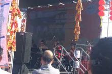 熟悉的旋律让人想家!蒙特利公园华人区的年会。