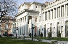 座落在马德里芸术大道上的普拉多博物馆  是西班牙最大的美术馆  除了所继承的皇室珍藏 丰富的馆藏中