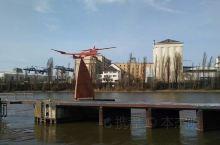 美茵河畔法兰克福,Frankfurt-Am-Main,正是德国法兰克福的全称。  提起美茵河畔,自然