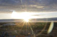 宝古图沙漠旅游区位于内蒙古通辽市奈曼旗白音他拉苏木,属科尔沁沙地腹地,是距离京津冀地区最近、海拔最高