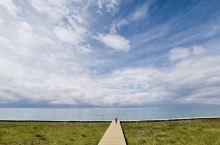 大西洋的最后一滴眼泪~赛里木湖~赛里木湖保护的很好~有野生天鹅在湖里嬉戏~湖水清澈见底~新疆的美~美