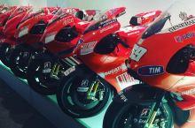 摩托车博物馆     喜欢车的朋友们一定要到博洛尼亚的杜卡迪博物馆来看一看。很多人只知道法拉利和兰博