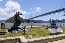 烟火盛会关门海峡  有着链接着日本很重要的两个城市那就是关门海峡,就像中国的东海大桥或者深港大桥等,