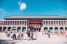 走进遵义会议会址|走出当代的青春风采!  贵州红色旅游资源丰富,近年来,以遵义会议会址为核心的红色纪