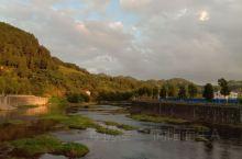 原生态的溪流