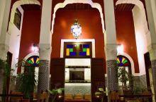 摩洛哥古城菲斯不得不做的几件事 千年历史古城菲斯能够满足你对摩洛哥的所有想象,神秘又浪漫。 到摩洛哥