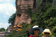广西贵港桂平白石山,目前还是自由风景。有道观是十大观之一,还有佛教寺庙。