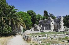 走在古罗马的边缘,感受穿越时空的梦幻 在尼斯不仅仅可以享受到滨海带给我们的闲适,更能梦回千年去追寻罗