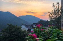 婺源一座让人向往的古镇。又被誉为中国最美的乡村。日山、日落。小桥流水、古街古巷。里面的故事。