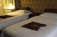 非常好的酒店服务好,卫生干净,送的小礼物很贴心,重要的是认真负责,我在酒店丢了一把水果刀,酒店还打电