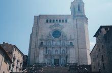 【赫罗纳大教堂】 赫罗纳大教堂(Girona Cathedral)建于14-16世纪,世界著名的哥特