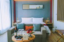 假日美旅,自驾318国道,一路向西!在巴塘假日酒店度过了神仙一样的假期,完善的房间配套设施、丰富的各