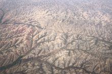 国庆长假甘肃逍遥自在游(一),在兰州的上空看到的大西北果然和我们南方不同,也和我之前去西藏时在飞机上
