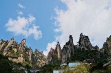 三清天下秀:江西三清山真的是被严重忽略的一座山,它的巍峨俊秀完全不输名山大川,这里的怪石、奇松、峡谷