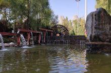 """兰州水车博览园            2005年8月26日,被誉为""""水车之都""""的兰州建起了一处水车博"""