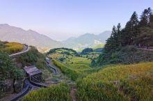 我们去的时候快下午4点了,太阳都快下山了,山上很冷注意多穿衣服。梯田很震撼想看日出的可以住在景区里面