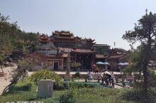 以香山岩寺为中心,辐射到周边的吕塘民俗文化村及众多景点, 具有优美的自然景观和丰富的人文景观相交融的