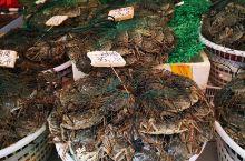 """离中山路走路十分钟的一条街,老厦门人都知道,第八菜市场,就是""""八市"""",海鲜丰富和新鲜。""""八市""""不仅仅"""
