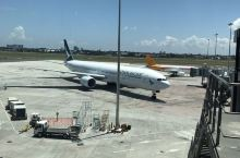 机场虽小,也算五脏俱全了,本来我对菲律宾机场也没什么高标准严要求[愉快]。 有咖啡喝了就好,购物什么