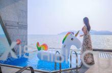 周董首选的酒店 大红花丽昇精选酒店是马来西亚海岛游人气超高的海上度假村!酒店每间客房都拥有私人泳池,