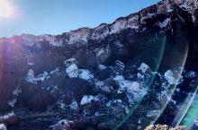 #乌兰哈达北炼丹炉一日游#      火山锥坐落于太古宙乌拉山岩群和华力西期花岗闪长岩之上。火山口内