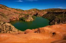 靖边波浪谷岩石叫红砂岩,学术上被称为