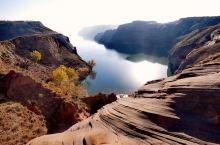 靖边波浪谷位于距陕西省靖边县东南22公里处龙洲乡的闫家寨子,俗称闫寨子。