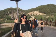 洛阳龙门大桥在河南省洛阳市南12公里龙门山口处,是连接龙门东西两山的重要通道,是沟通洛阳至豫西南各地